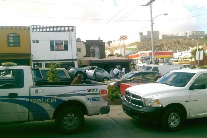 Taquería de Colinas de Californa en Donde Asesinaron a tiros a plena luz del día a un hombre, Muy Cerca a La Rioja Residencial Tijuana y Coto Bahía - Bonaterra Tijuana.