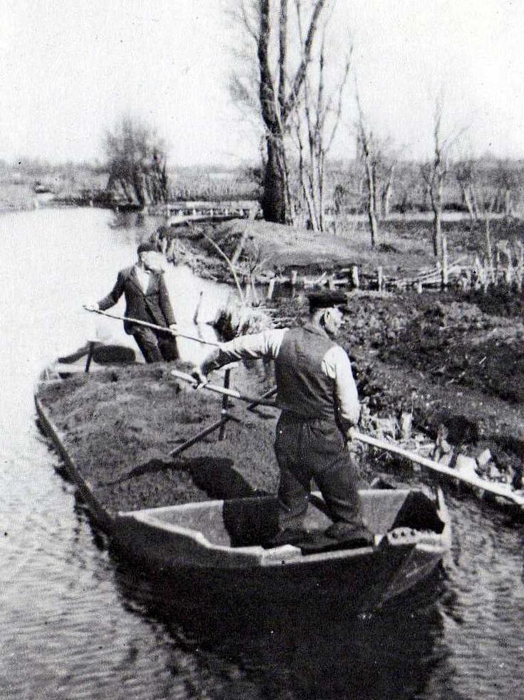 Praam, a typical dutch boat, used by growers in Aalsmeer.