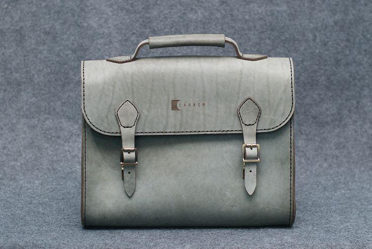 Carnem - Серый кожаный портфель-мессенджер