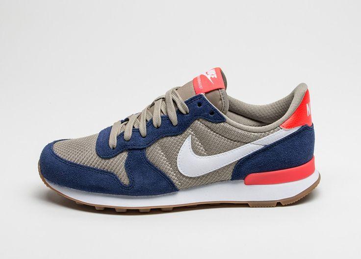 Nike Wmns Internationalist (Loyal Blue / White - Bamboo)
