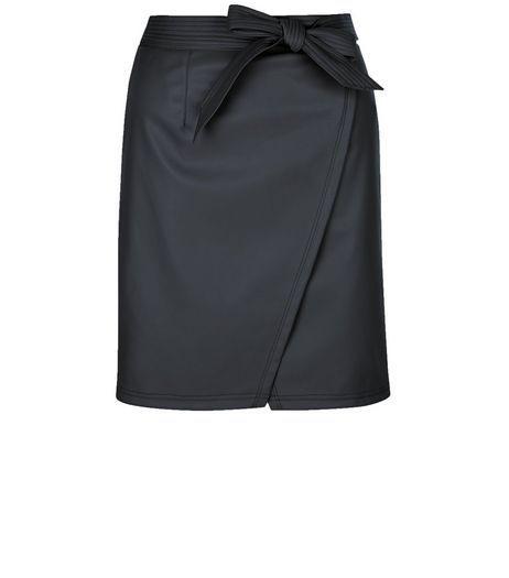 Petite Black Leather-Look Wrap Skirt   New Look