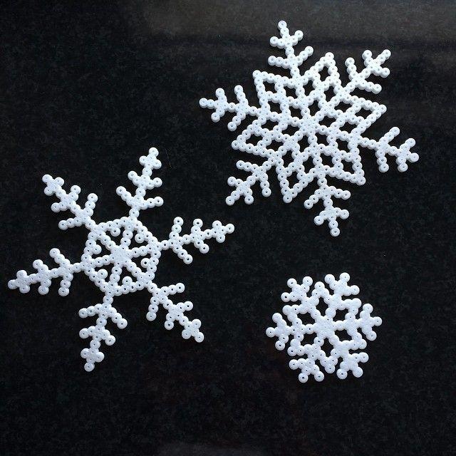 Snowflakes perler beads by gunnaasland