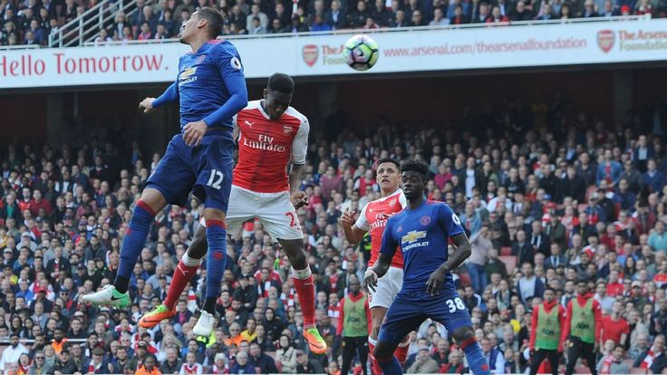 Danny Welbeck thriving in new Arsenal formation and must start FA Cup final