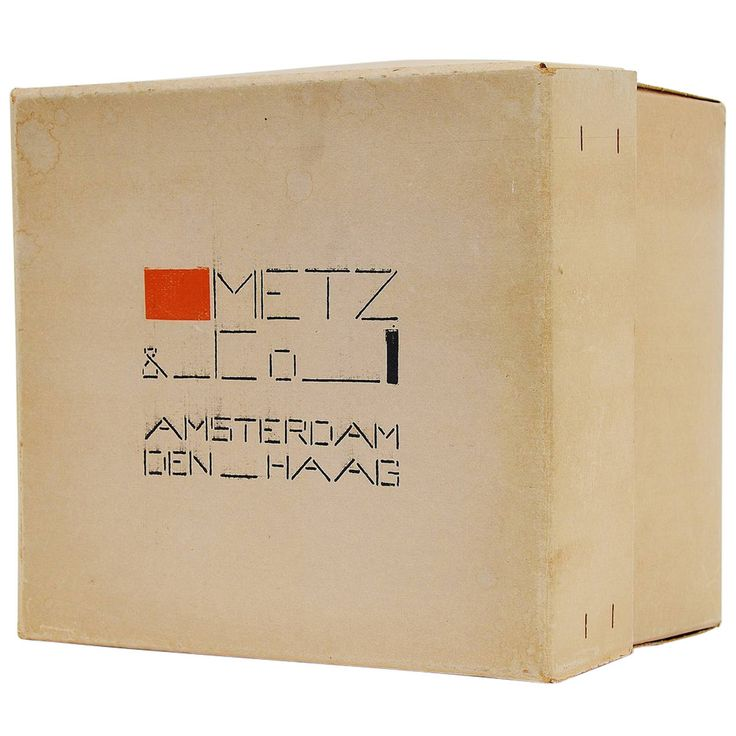 Bart van der Leck de Stijl Box for Metz & Co, 1935 | From a unique collection of antique and modern boxes at https://www.1stdibs.com/furniture/decorative-objects/boxes/