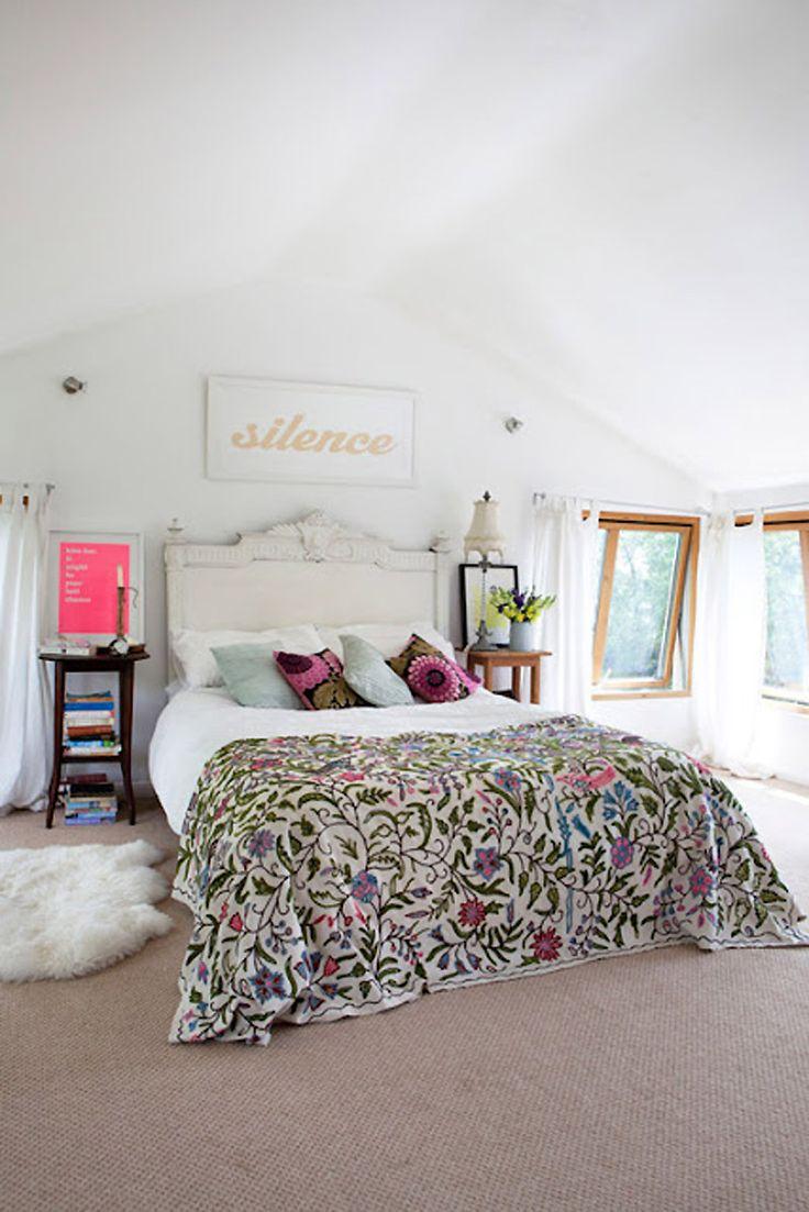 Bohemian bedroom. gorgeoussssssDreams Bedrooms, Guest Room, Bedspreads, Beds Spreads, Little Bedrooms, Home Decor, White Bedrooms, Bohemian Bedrooms, Design
