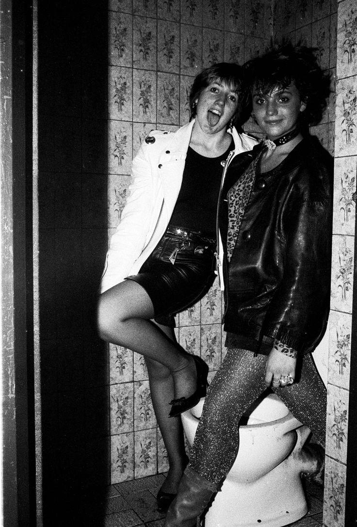 Inmersión en la pecera. Un retrato cultural de los 80, por Marivi Ibarrola