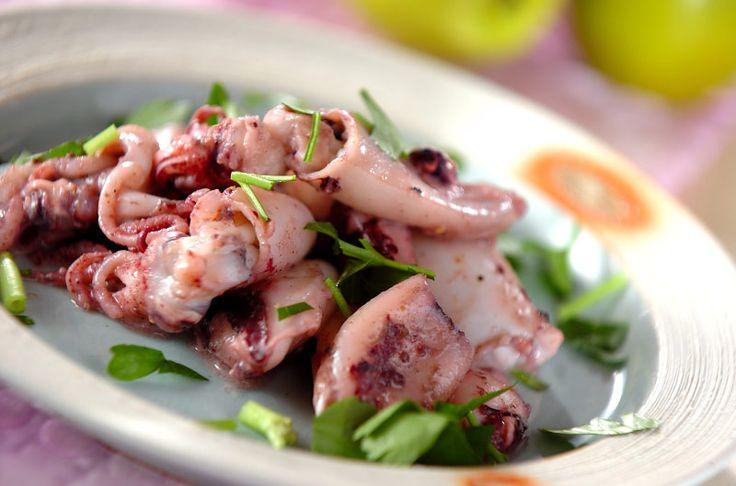 スパゲティを加えても良いですよ。小イカのサワークリーム炒め[洋食/炒めもの]2008.06.02公開のレシピです。