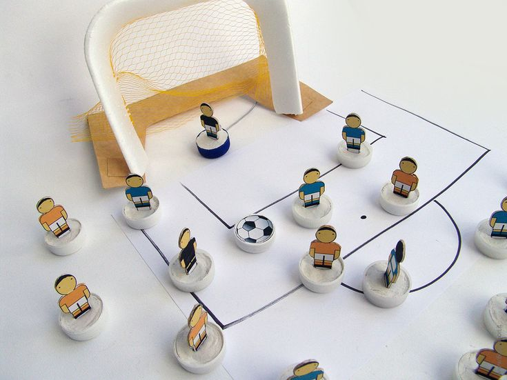 Subbuteo DIY football teams template to build by iFiglideiFiori