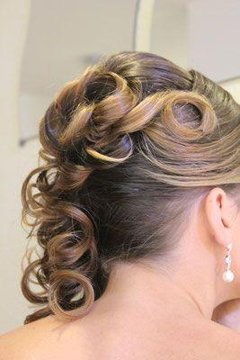 #Braut #Frisur mit #Rosen#hochgesteckt. #seitlich#…