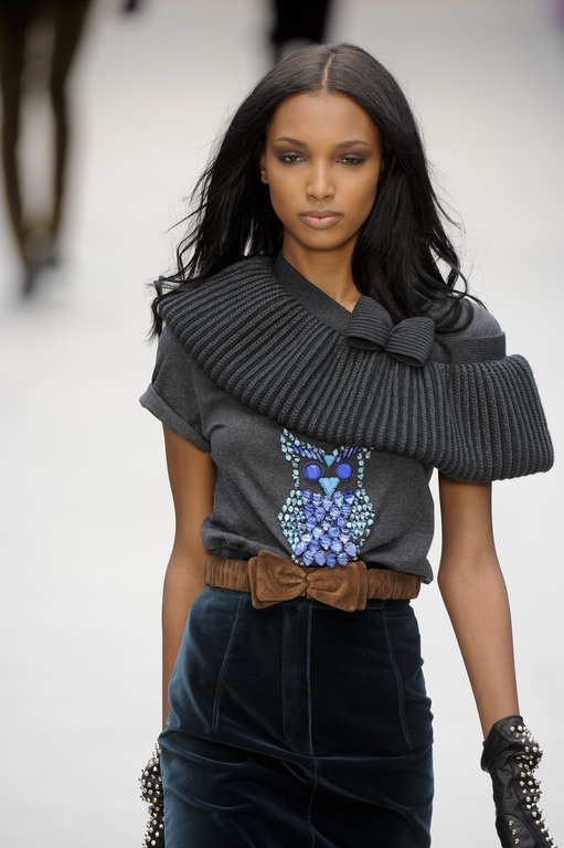 Burberry Prorsum - Fall 2012 Short Sleeve Grey Tshirt with Owl Applique in Gray