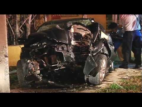Pictures Of Car Wrecks And Other Gross Things 75