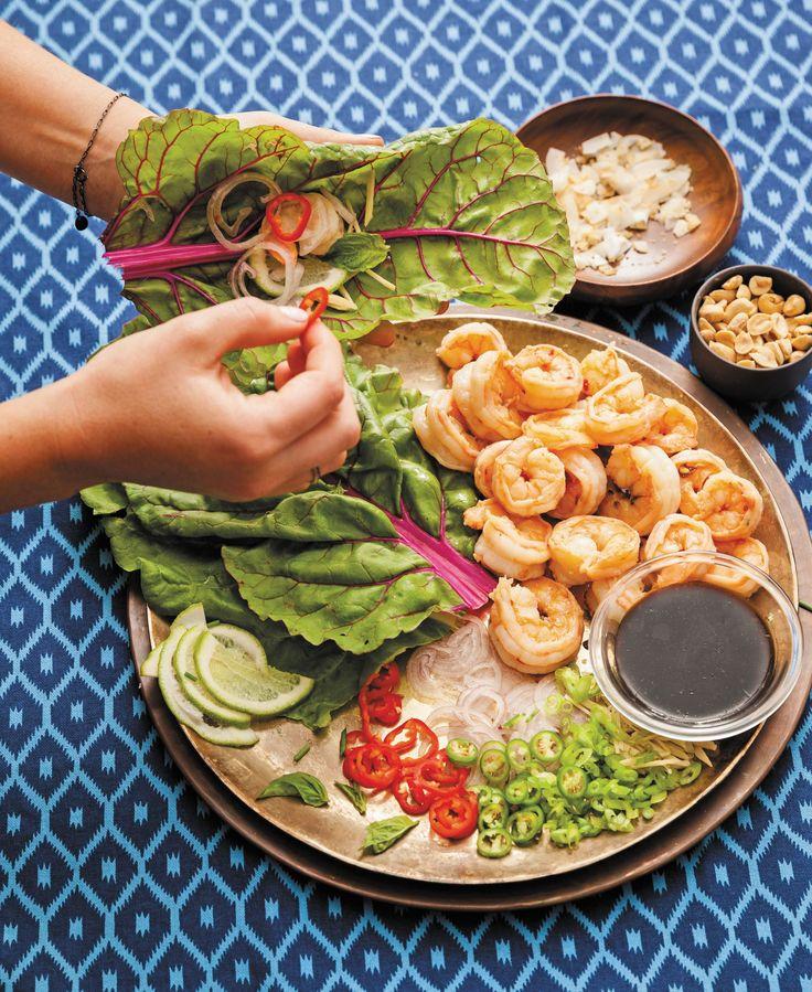 Prova questo pranzo proteico con involtini di gamberetti Thai, sano e avvolgente, consigliato da una delle dee Yogi più in voga Kathryn Budig.
