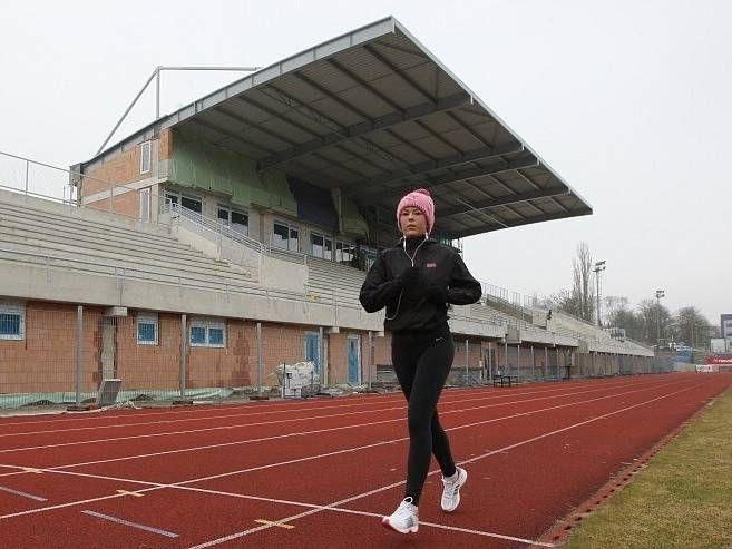 Stavba nové fotbalové tribuny v Ústí nad Labem.