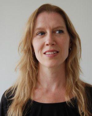 Maartje Oome is tekstschrijver en communicatieprofessional. Ze is vanaf het begin betrokken bij Bedrijvige Vrouwen en houdt zich met name bezig met de website, maar kan het ook niet laten zich te bemoeien met de grote lijnen.