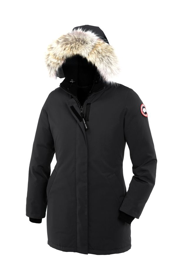 Canada Goose Victoria Parka - € 650 -  As elegant as the city for which it was named, the Victoria Parka is the epitome of chic. With a slim, body-flattering silhouette, a clean aesthetic, and mid-thigh warmth and protection, it is a classic coat perfect for both rural and urban environments.
