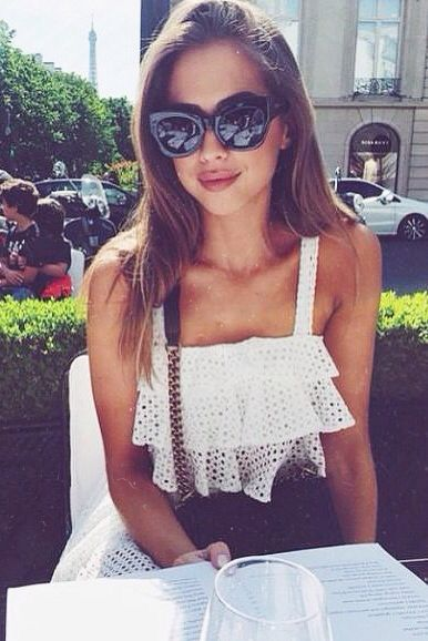 Summer style in black + white + black sunnies + bag with interesting chain/strap detail- summer fashion.