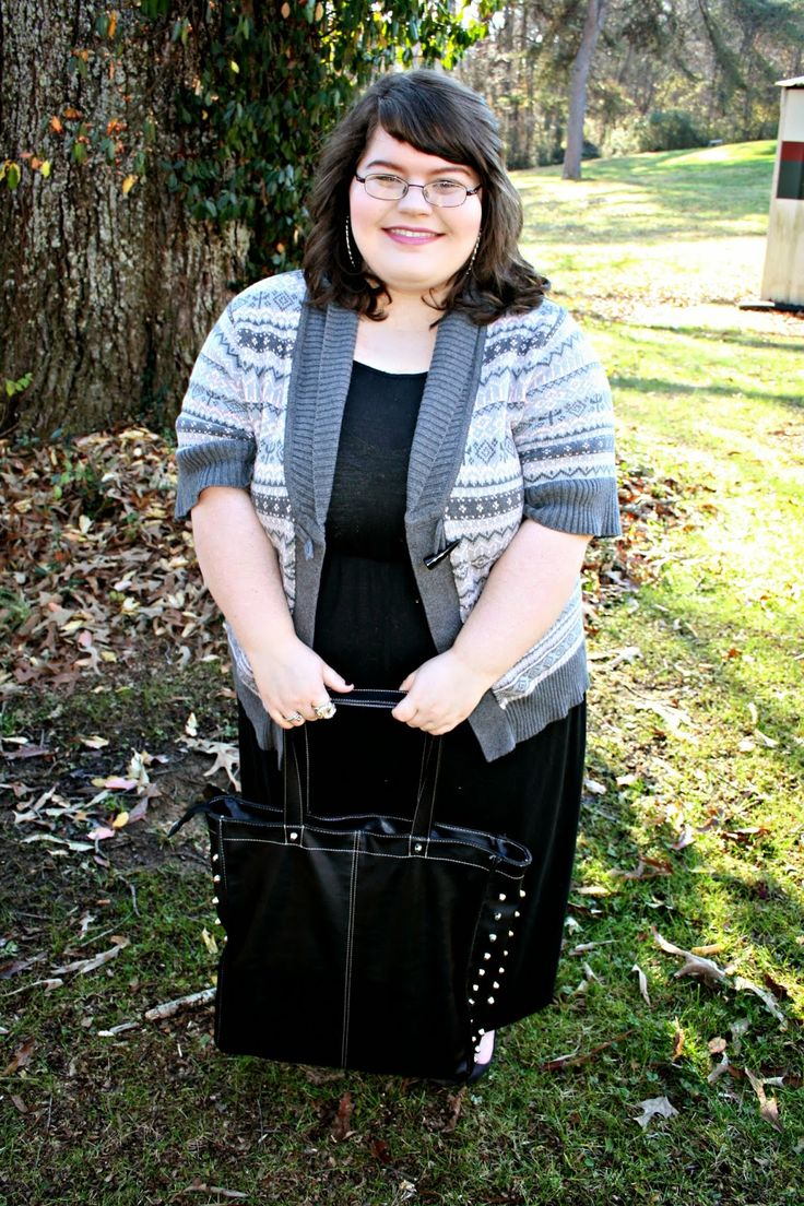 Unique Geek- Plus Size OOTD: Sweater Weather #plussize #plussizefashion #fashion #ootd You know what time of year it is? That's right, it's sweater time! I love wearing anything that resembles a sweater around this time of year. There's just something so comfy and homey about it...KEEP READING!