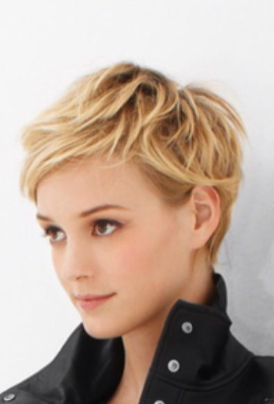 .short blond textured hair