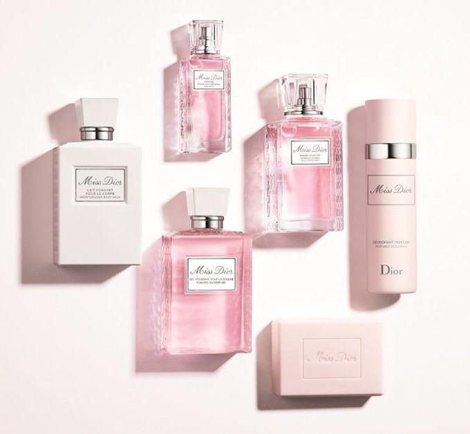 ディオール(Dior)の人気フレグランス「ミス ディオール」から「ミス ディオール ボディ スプレー」が登場。「ミス ディオール ボディ スプレー」は持ち運びしやすいスプレー型で、ミスト状のやわらかい...