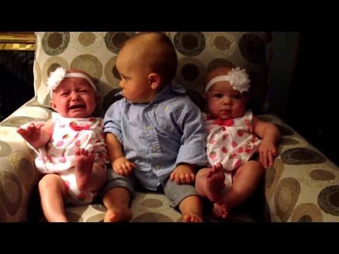 Funny Baby Video-Twins baby talking with their MOM Amazing Funny Clip