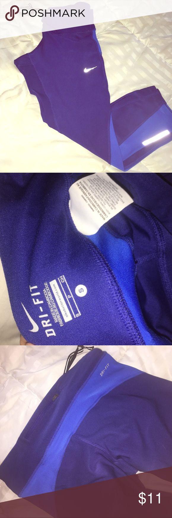 Nike Capri leggings Capri Nike leggings worn about once or twice in good condition!! Nike Pants Leggings