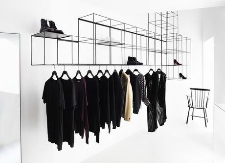 This is more appropriate for the look of a modern clothing store, but this is actually not a bad thing for an alternative when you're bored with your messy and unorganized wardrobe ;)