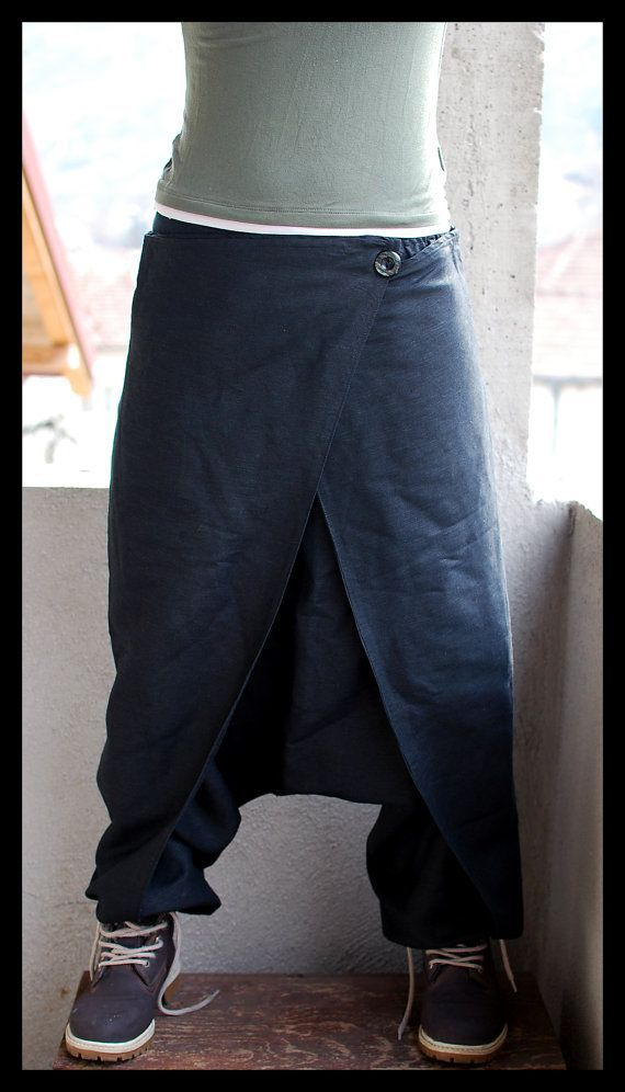 Harem pants with button flapping pockets. Made of high quality linen.  *****SIZING*****  - US 4 / EU 34 /UK 8 / XS low waist 32,2 / 82 cm hips 33,8