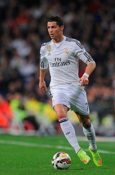 Confira a lista dos 10 jogadores de futebol mais ricos do mundo
