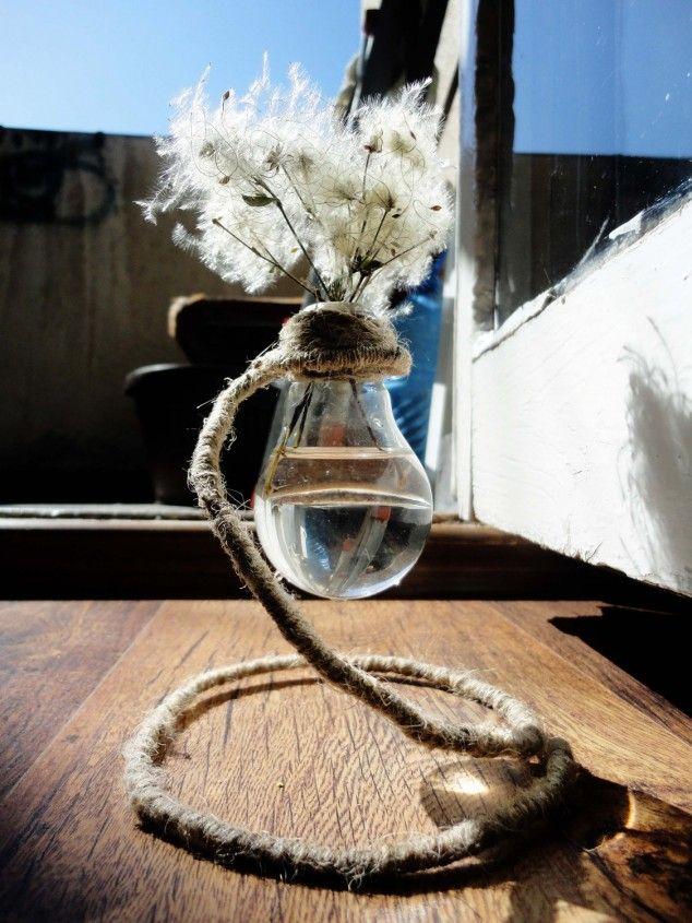 DIY: 17 Creative Ideas With Light Bulb