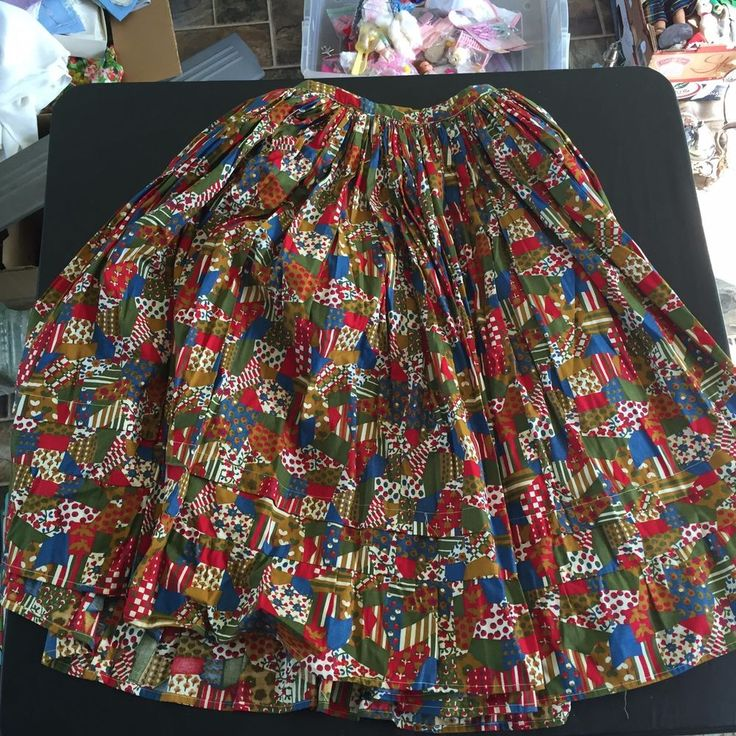 VINTAGE PLEATED LARGE SKIRT FLOWERS GARDEN PATTERN PEASANT COUNTRY COSTUME #Handmade #Pleated