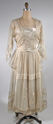 1918 wedding dress