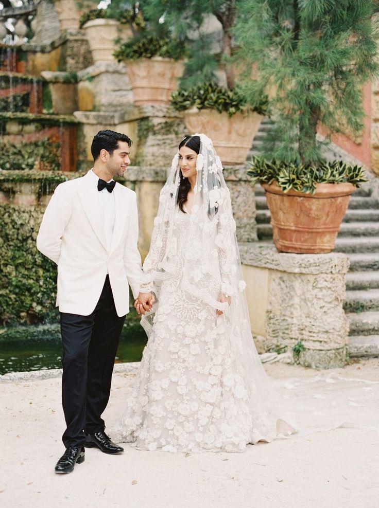A romantic miami wedding with a garden by the sea theme for Wedding dresses miami florida