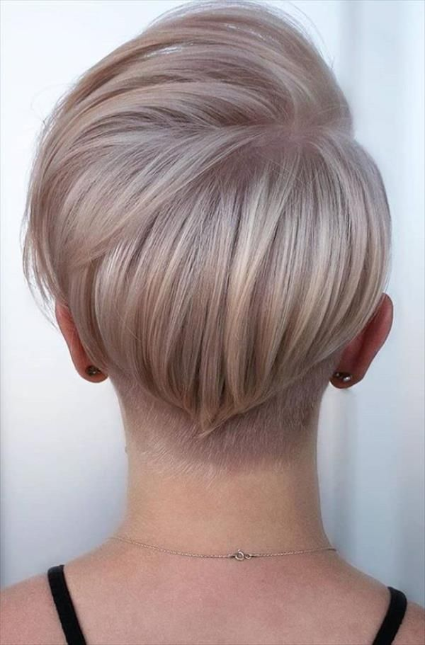 40 Chic Female Short Hairstyle Design To Be Cool Latest Fashion Trends For Woman In 2020 Stylish Short Haircuts Hair Styles Short Hair Styles Pixie