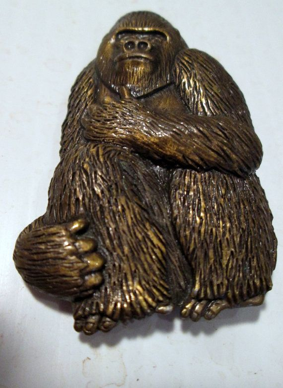 Gorilla Ape Vintage pin signed JJ Jonette Jewelry #SideEffectsNY.....lol,this pin makes me laugh for some reason..