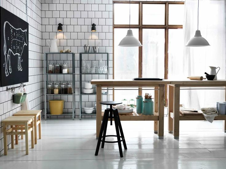 KITCHEN // tiled + lots of light.., i think we can work with this.