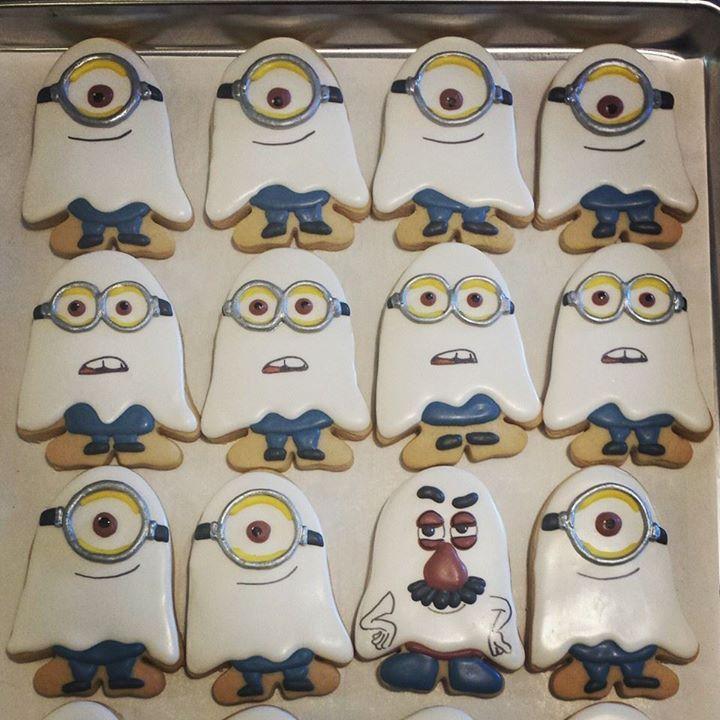 Ghost Minion Halloween Cookies