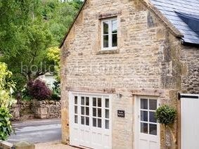 2 bedroom villa in Stow on the Wold to rent from £484 pw. With TV and DVD.