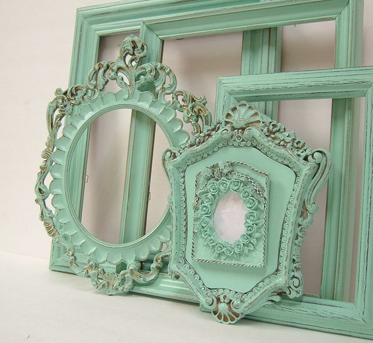 pastel mint frames, need to visit the thrift shops to look for some of these to paint, love them!