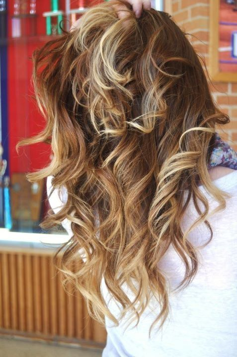 brunette to blonde ombre hair melt  can someone do this too my hair and make it look just like this haha
