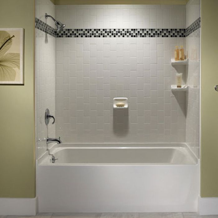 Marvelous Subway Tile Bathtub Surround With Decorative Trip Of Mosaic Glass Tiles  Just Above Eye Level. I Would Want The Tiles Going Horizontally Though