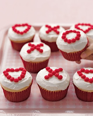 super simple valentine 39 s day cupcake decorating idea use