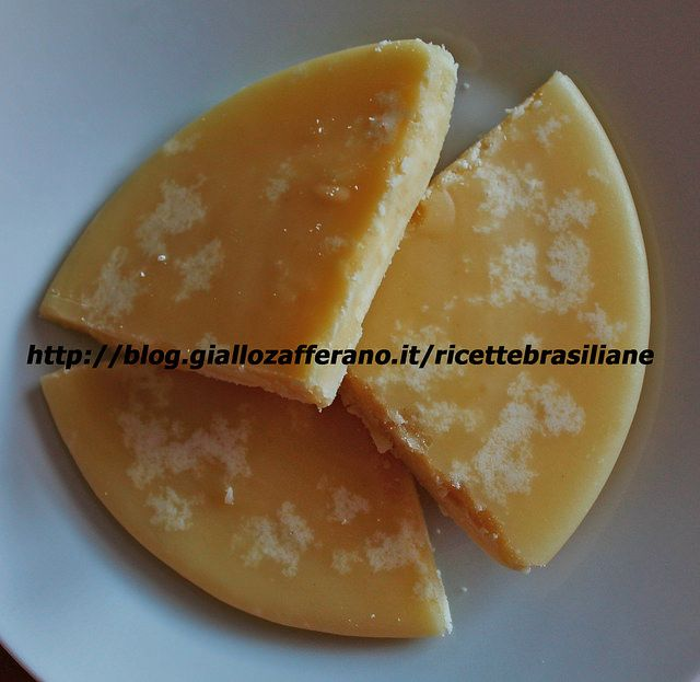 Latte condensato per tagliare http://blog.giallozafferano.it/ricettebrasiliane/dolce-di-latte-per-tagliare/