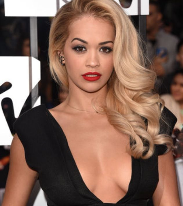 Old Hollywood glam done right Rita Ora at the 2014 MTV Movie Awards