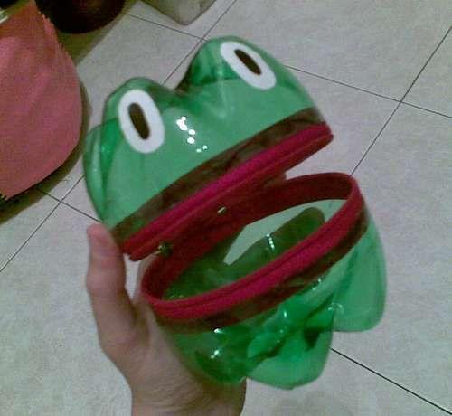 bottle frog cute idea for a sugar glider toy :)