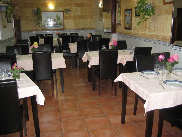 El Bar - Restaurante Antonio está ubicado en la Avenida de la Paz, nº 69 de Ribarroja del Túria