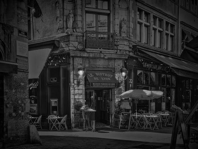 Photographie - Fine Art - Photography: La rue Mercière à Lyon