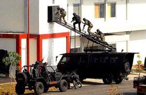 Teroris Lukai Pastor Gereja Katolik Medan
