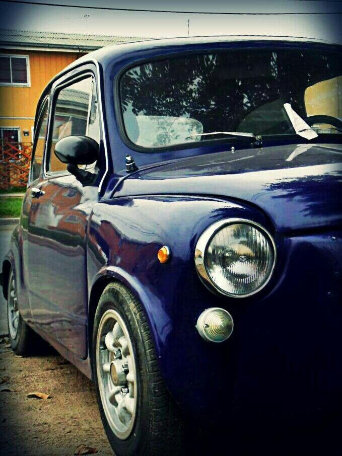 Fiat 600 azul metalizado Tuning