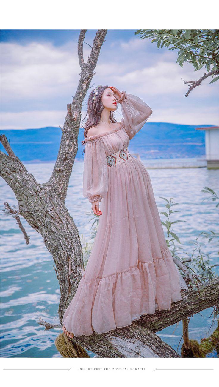 Платье без бретелек с рукавом