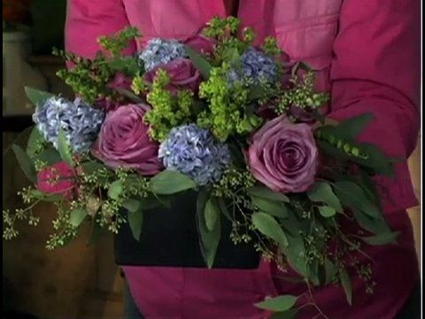 Flower arranging: How to arrange flowers like a pro